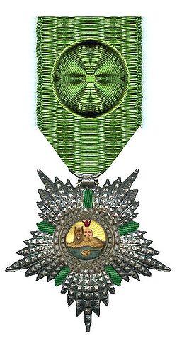 Name:  250px-Officier_in_de_Orde_van_de_Leeuw_en_de_Zon_Iran_rond_1900_Civiele_Divisie.jpg Views: 209 Size:  34.1 KB