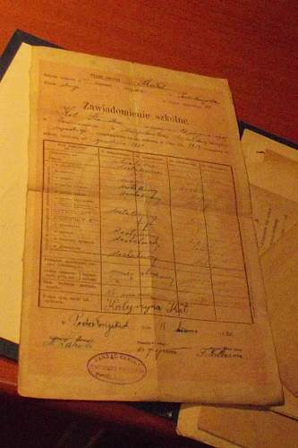 Pre-War Polish Army Officer's three bar Krzyż Walecznych 1920, identity booklet, medal award certificates and school certificate (research needed), 100% original pre war  ?