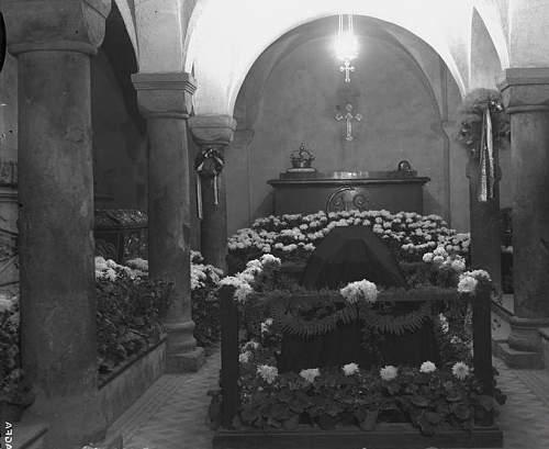 Click image for larger version.  Name:2nd November 1935 St Leonards Crypt JP Coffin Centre.jpg Views:174 Size:84.8 KB ID:580272