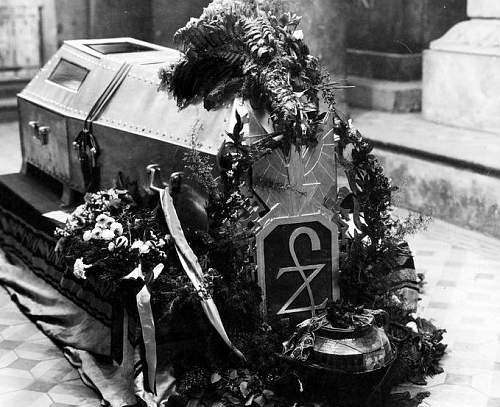 Click image for larger version.  Name:June 1935 St Leonards Crypt JP Coffin.jpg Views:185 Size:127.7 KB ID:580274
