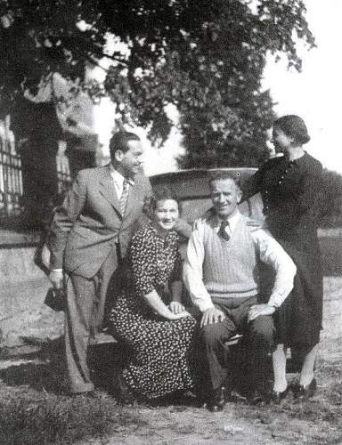 Click image for larger version.  Name:1937 Boleslaw Stachon with his wife Jadwiga and friends Kazimierz and Karolina Weit.jpg Views:230 Size:212.3 KB ID:580916