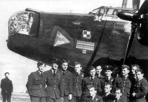 Click image for larger version.  Name:Vickers Wellington IC GR M R1492 in 1941.jpg Views:256 Size:36.8 KB ID:580917