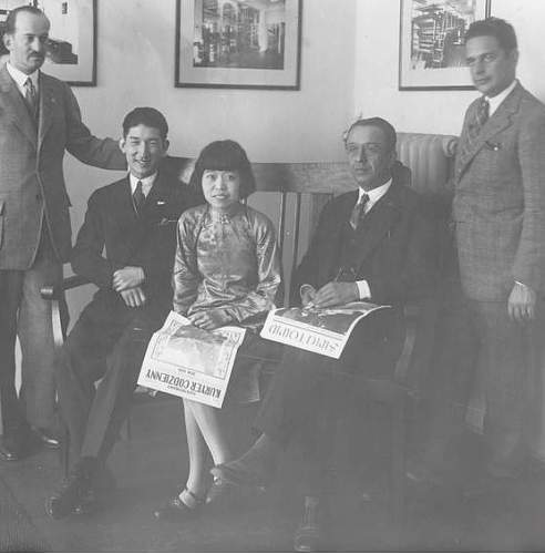 Click image for larger version.  Name:1931 Poznan Szperber with Chinese Artists Mang Wong and Shita Sun.jpg Views:109 Size:61.4 KB ID:626023