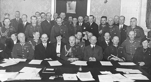 Click image for larger version.  Name:Warsaw 1938 Committee Meeting Generals Paszkiewicz Anders Rommel with the General Secretary Wito.jpg Views:369 Size:131.3 KB ID:667100