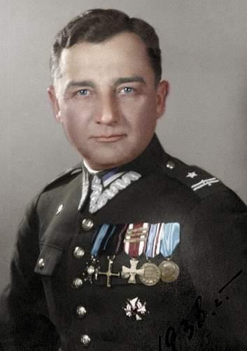 Click image for larger version.  Name:Mjr Henryk Dobrzanski VM KN KW x 4 Mjr Hubal 1938 photo.JPG Views:636 Size:93.2 KB ID:705881