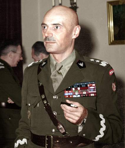 Click image for larger version.  Name: Gen Wladyslaw Anders in London 1945.jpg Views: 836 Size: 224.5 KB ID: 705882