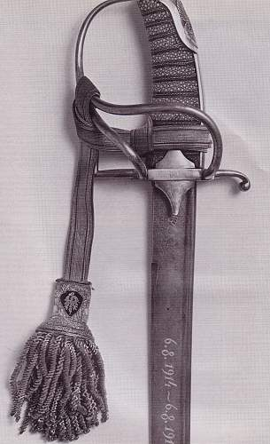 Click image for larger version.  Name:Pilsudski's Sabers - The 1st Polish Saber XX Century 1.jpg Views:647 Size:207.9 KB ID:72018