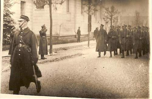 Click image for larger version.  Name:5 Nov 1936 Po przysiedze defilada przed p pulkownikiem Brzesc Cytadela.jpg Views:139 Size:107.6 KB ID:78813