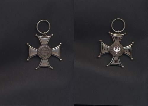 Order Virtuti Militari ...real or tailors copy ??