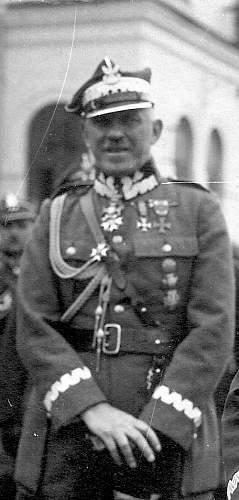 Click image for larger version.  Name:General Broni Stanislaw Szeptycki VM2 VM5 .JPG Views:474 Size:144.5 KB ID:794526