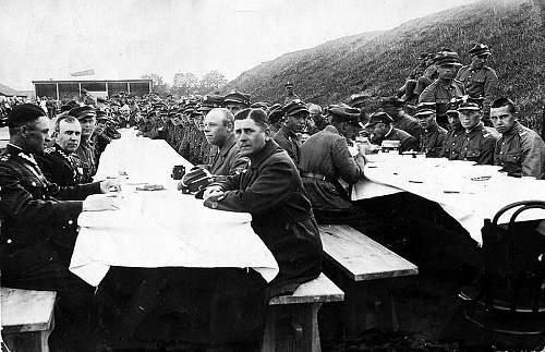 Click image for larger version.  Name:25th June 1933 37pp Regimental meal.jpg Views:26 Size:118.7 KB ID:813899
