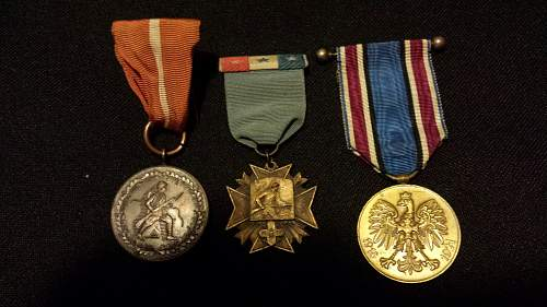 Help identifying medals