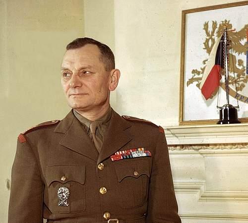 Click image for larger version.  Name:February 1944 Lt General Sergej Ingr in London.jpg Views:38 Size:136.9 KB ID:964733