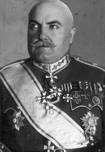 Click image for larger version.  Name:General Martins Penikis Latvian Army OOP Commanders Cross with Star.jpg Views:123 Size:184.4 KB ID:970882