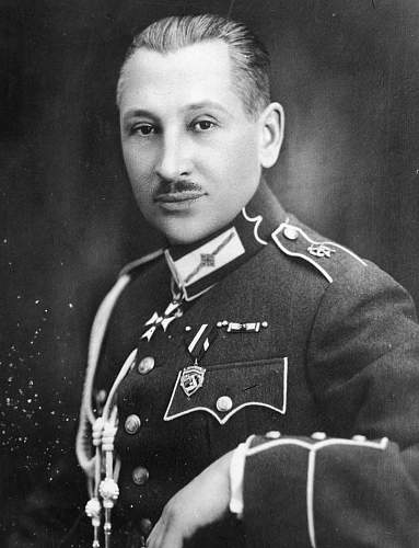Click image for larger version.  Name:Pplk Gustavs Grinbergs Latvian Military Attache to Poland OOP Commanders Cross.jpg Views:47 Size:182.7 KB ID:970883