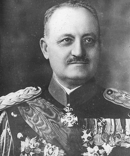 Click image for larger version.  Name:Yugoslavian General Petar Pesic VM Gold Cross Nr 523.jpg Views:201 Size:102.1 KB ID:970885