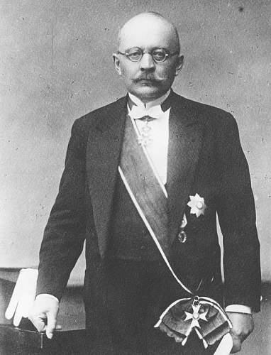 Click image for larger version.  Name:Professor Jan Korwin Kochanowski History Professor Uni of Warsaw OOP Grand Cross.jpg Views:37 Size:148.5 KB ID:971480