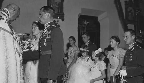 Click image for larger version.  Name:Rtm Franciszek Flatau and his wife 8th September 1934 with Bridesmaids Pilsudska sisters.jpg Views:18 Size:111.1 KB ID:992551