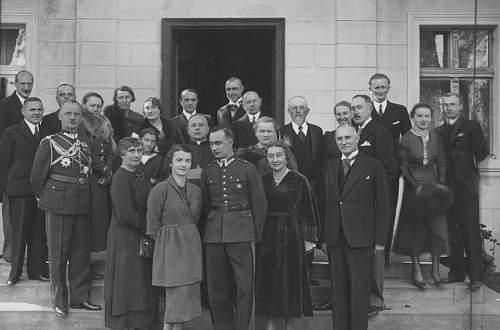 Click image for larger version.  Name:October 1936 wedding of Zofia Sikorska and Stanislaw Lesniowski.jpg Views:101 Size:122.9 KB ID:992555