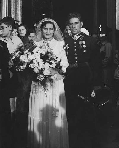 Click image for larger version.  Name:Por Jakubowicz and Ina Kepinska on their wedding day 17th June 1939.jpg Views:15 Size:105.0 KB ID:992556