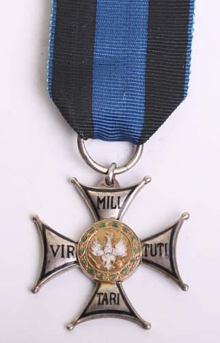 Click image for larger version.  Name:Virtuti Militari Silver Cross obv.jpg Views:13 Size:112.9 KB ID:1001338