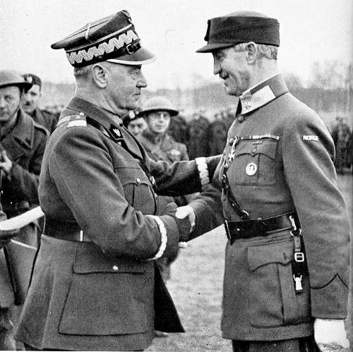 ccbc08f8d6f General Władysław Sikorski decorates the Commander-in-Chief of the Norwegian  Army