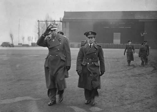 Click image for larger version.  Name:25th Feb 1944 RAF Northolt CinC with Mjr Krasnodebski before awarding VM Gold Cross to Aleksande.jpg Views:29 Size:91.8 KB ID:1035466
