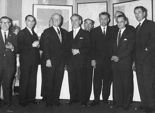 Click image for larger version.  Name:London 1960s PAF Squadron and Wing Commanders (3).jpg Views:37 Size:170.0 KB ID:1035696