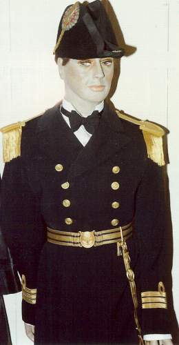 Click image for larger version.  Name:Naval Officers Uniform.jpg Views:108 Size:19.3 KB ID:116564