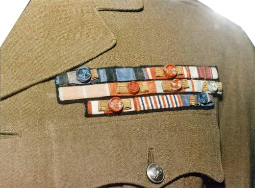Click image for larger version.  Name:General Sikorski Service Tunic with ribbon bars.jpg Views:77 Size:18.7 KB ID:116597