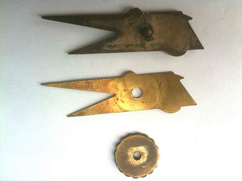 4th Skorpion collar pennons.
