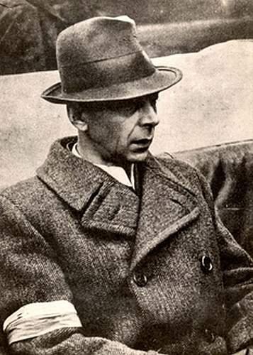 Click image for larger version.  Name:Bor-Komorowski Oct 1944.jpg Views:116 Size:101.3 KB ID:232933