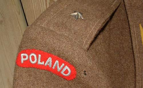 Click image for larger version.  Name:WW2%20Polish%20Officer's%20Estate%20Lot-Medals,%20Tunic,%20Badge%20o.jpg Views:71 Size:52.0 KB ID:234589