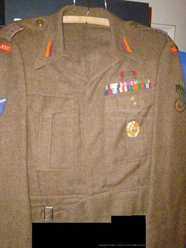 Click image for larger version.  Name:1st Armoured Division blouse.jpg Views:1373 Size:251.8 KB ID:286844