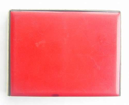 Click image for larger version.  Name:Polish Cigarrette case 002.jpg Views:345 Size:75.5 KB ID:29498
