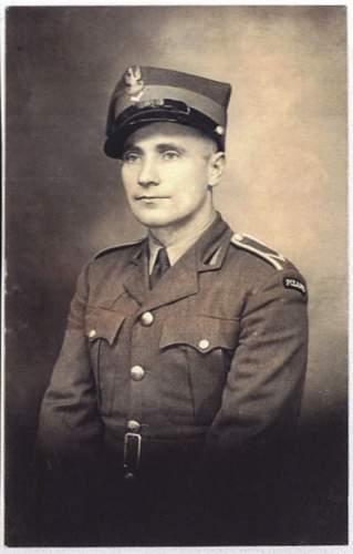 Click image for larger version.  Name:Sgt. Jan Kalisz 1942.jpg Views:349 Size:42.1 KB ID:306505