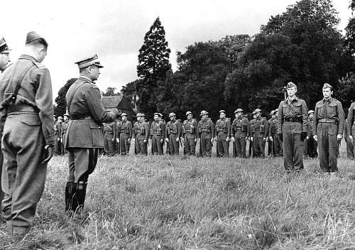Click image for larger version.  Name:Gen Duch with Polish Volunteers in Canada 1941.jpg Views:8960 Size:178.0 KB ID:349393