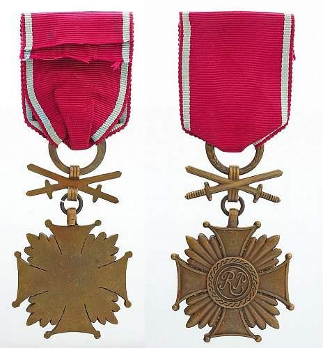 Brązowy Krzyż Zasługi z mieczami - serial numbers?
