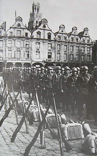Click image for larger version.  Name:Poles in Arras France 1940.jpg Views:1066 Size:122.1 KB ID:385738