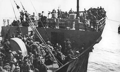 Click image for larger version.  Name:Polish troops onboard the Royal Scotsman June 1940 1a.jpg Views:469 Size:83.1 KB ID:386292