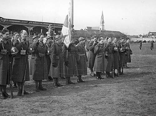 Click image for larger version.  Name:Angers 30th March 1940.jpg Views:309 Size:86.6 KB ID:386704