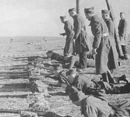 Name:  Polish Army soldiers France weapons training 1940.jpg Views: 1642 Size:  41.3 KB