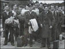 Name:  POWs at Stalag Luft III in 1943.jpg