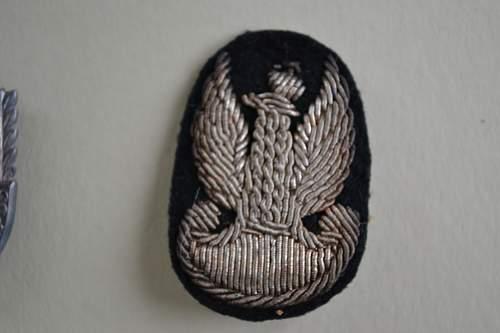 Click image for larger version.  Name:Dad's Medals, Uniform & Badges 002.jpg Views:206 Size:194.3 KB ID:416161
