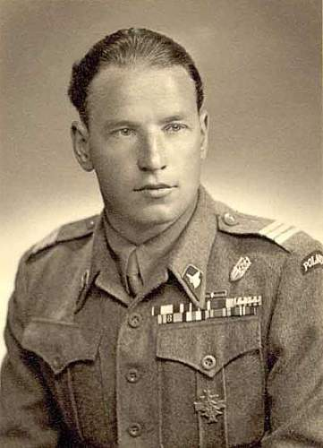Click image for larger version.  Name:antkowicz_military_portrait.jpg Views:122 Size:37.4 KB ID:424979