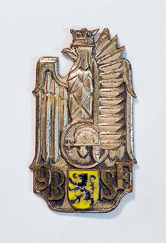 Name:  Dad's-Medals_12Dec2012_7552.jpg Views: 615 Size:  177.4 KB