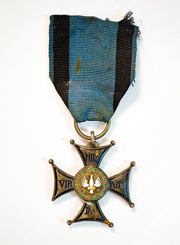 Name:  Dad's-Medals_12Dec2012_7553.jpg Views: 604 Size:  133.4 KB