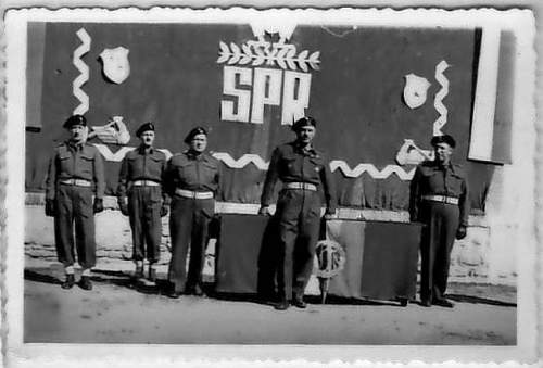 Click image for larger version.  Name:Italy 1944 j.jpg Views:81 Size:43.6 KB ID:456987