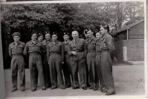 Photo of a group of Polish soldiers