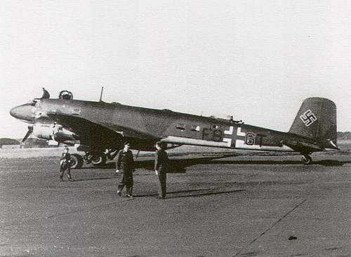 Click image for larger version.  Name:1-Fw-200C-Condor-9.KG40-(F8+GT)-1942-01.jpg Views:1164 Size:174.0 KB ID:470590